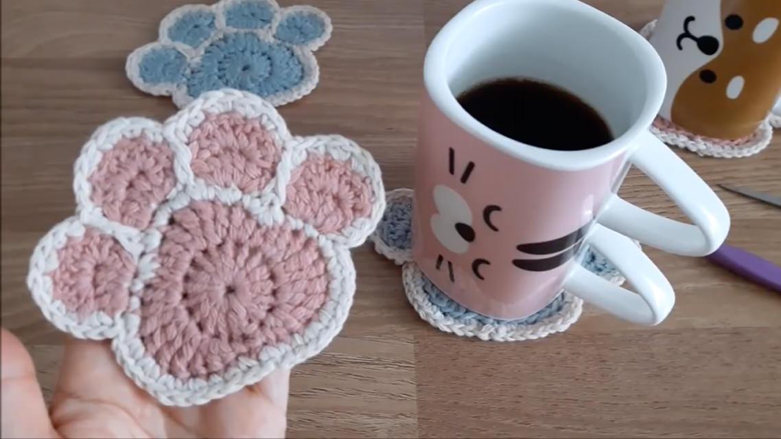 Crochet Paw Coaster You Can Make Easily Crochetbeja